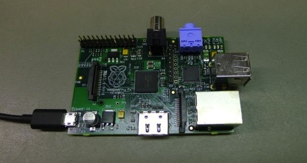 The Raspberry Pi Budget Computer can use Airplay to Stream From Apple Devices