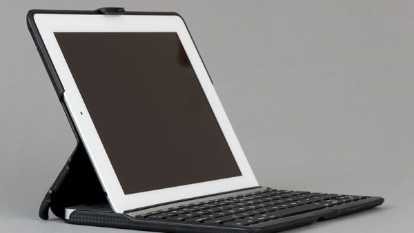 ZAGGfolio Keyboard Case – Top Accessories for the New iPad