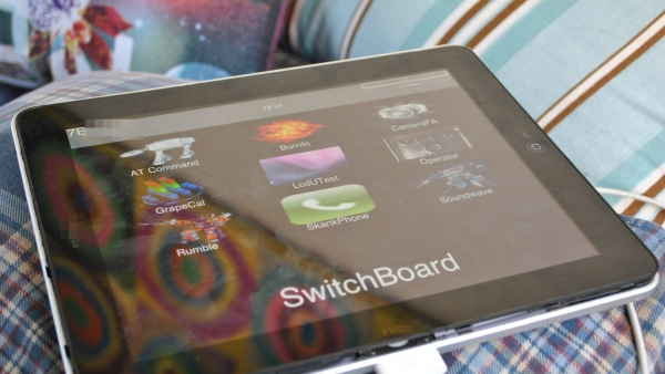 Someone Paid $10,200 For This Dual Dock iPad 1 Prototype On Ebay