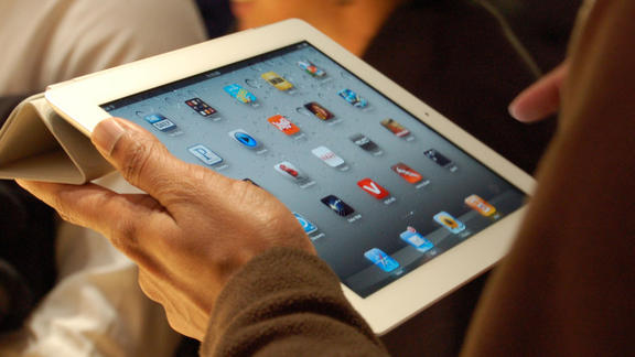 """Dell Says The iPad is Too """"Shiny"""" For Business"""