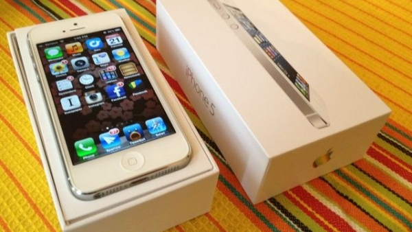 This Teenager Got An iPhone For Christmas, But Not Before Mother Made Him Agree To A Contract