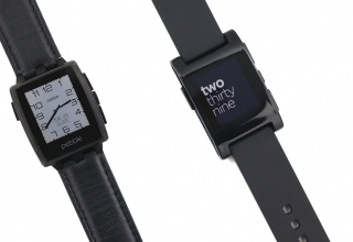 Pebble Steel vs Pebble: Smartwatch Comparison