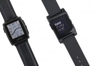 Pebble Steel vs Pebble: Smartwatch Comparison