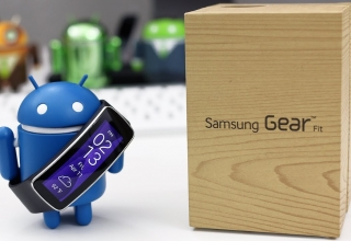 Samsung Gear Fit: Unboxing, Hands-On, And Overview